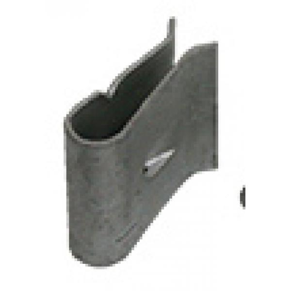 68-72 WINDSHIELD LOWER OUTER MOLDING CLIP